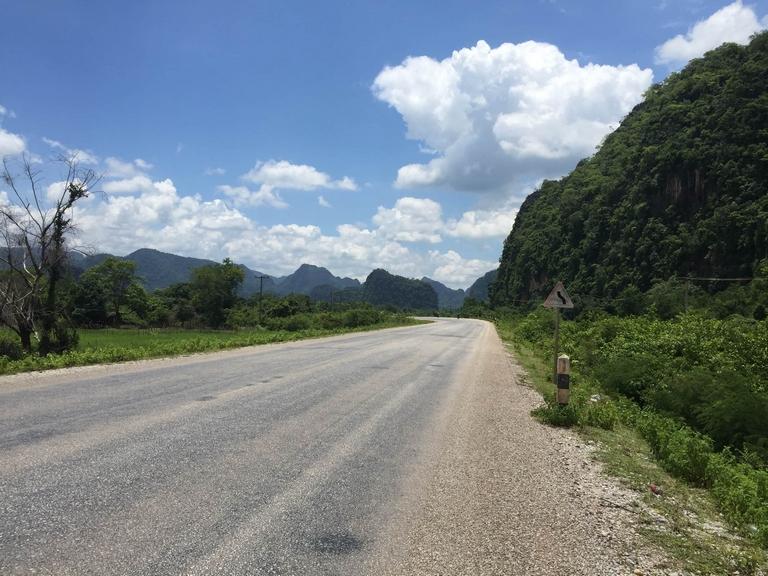 Road out to Thakhek Loop