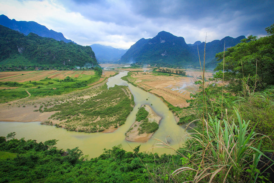 ho-chi-minh-trail-river-views