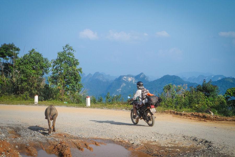 ho chi minh trail by motorbike