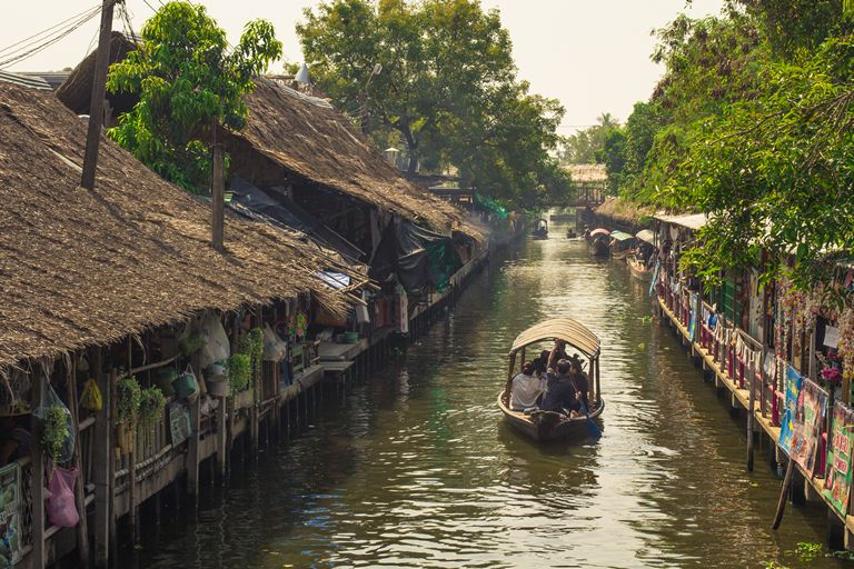 Canals through Khlong Lat Mayom
