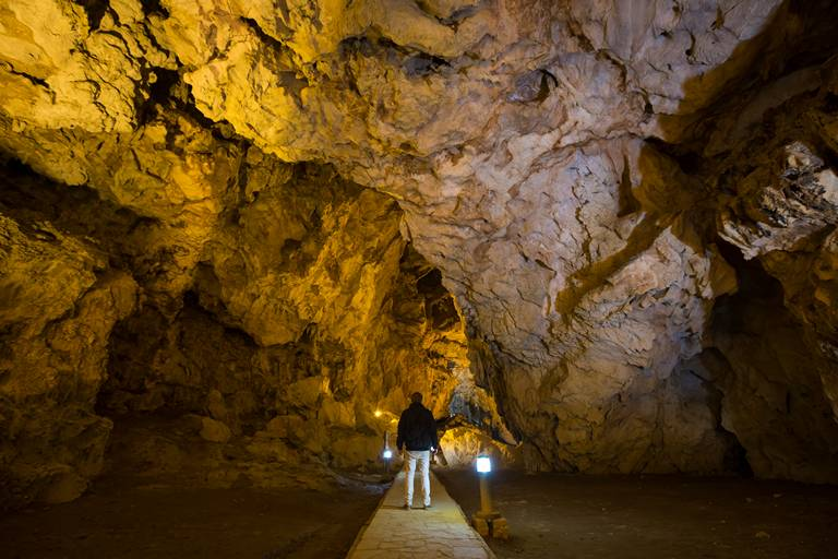 Ngam Ngou Cave