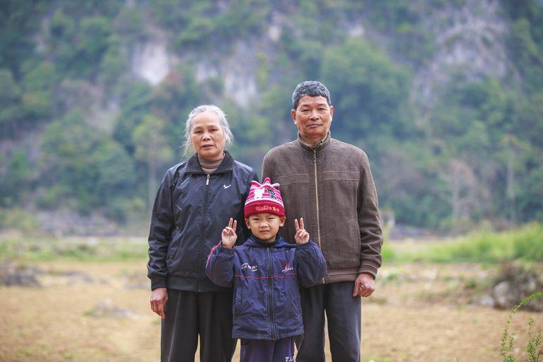 Kieu Chinh Family