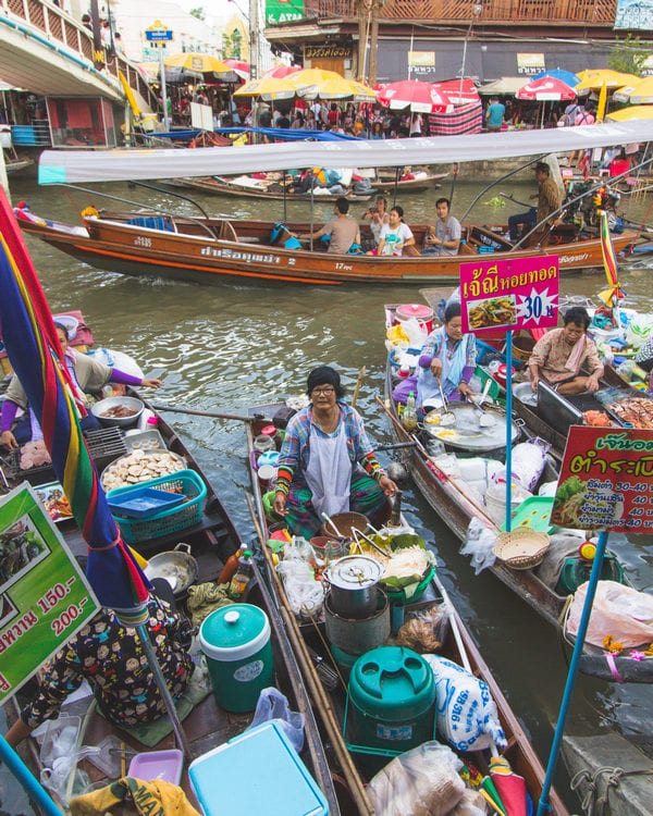 longtail boat stalls