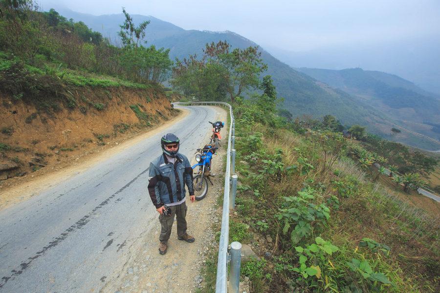 Road to Dong Van