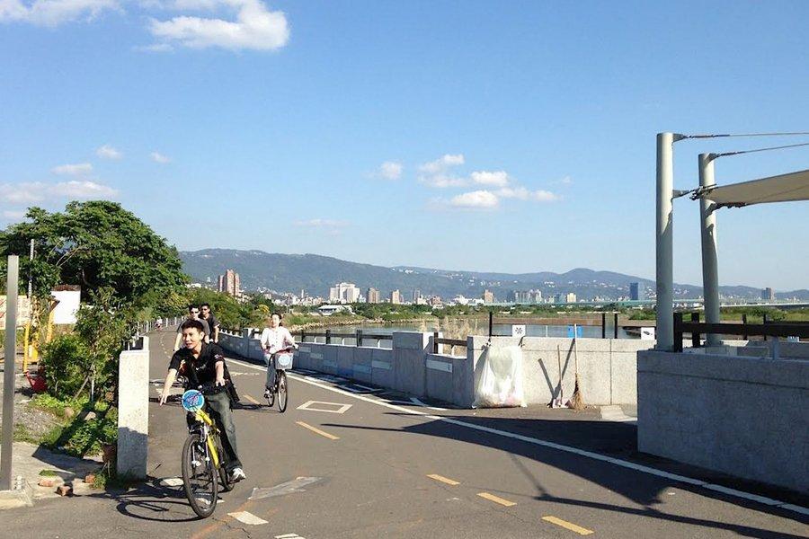 Cycling around Taipei