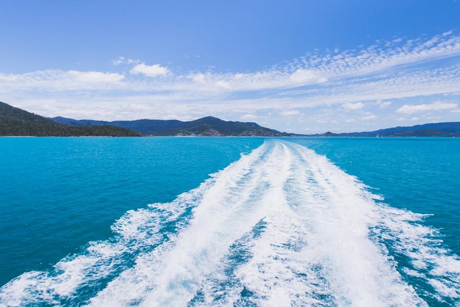 Ferry to Whitesunday Island