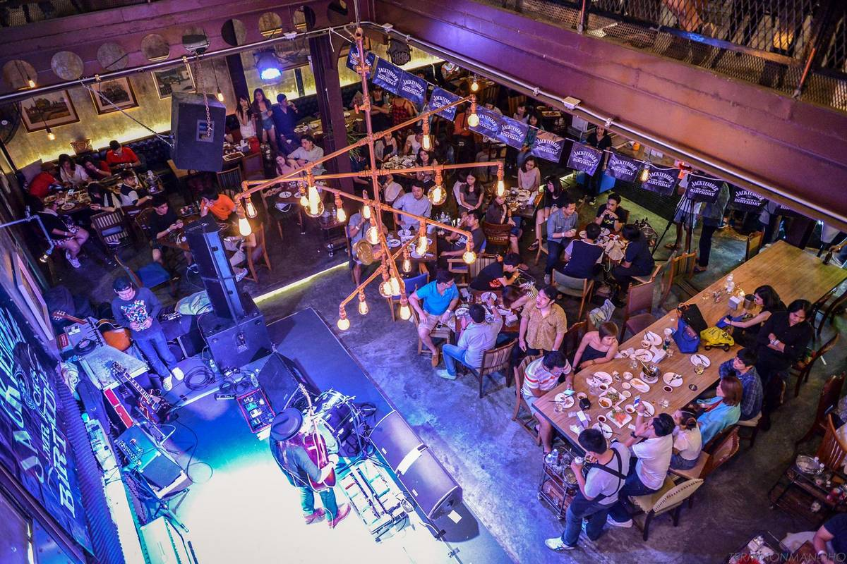 Best Live Music Bars in Bangkok - Heap Victory Monument