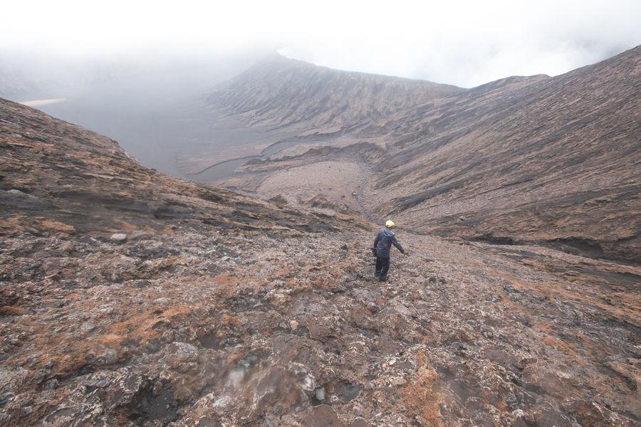 Descending into Mt Benbow