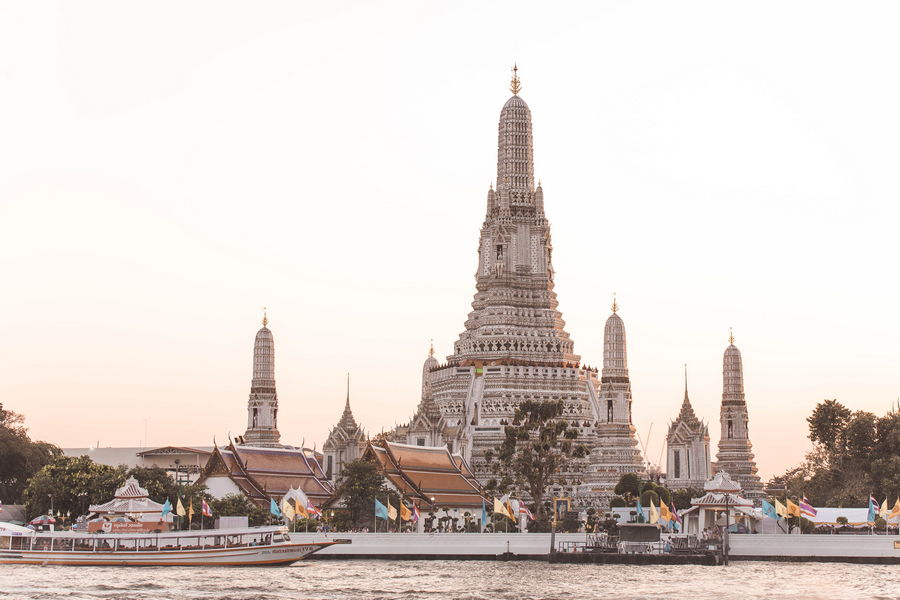 Wat Arun (The Temple of Dawn) – Bangkok, Thailand