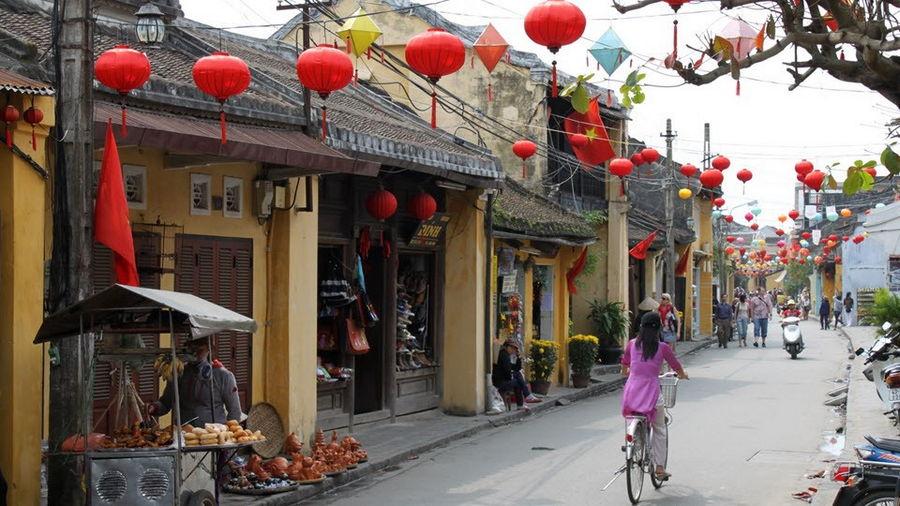 Nguyen Thai Hoc Street