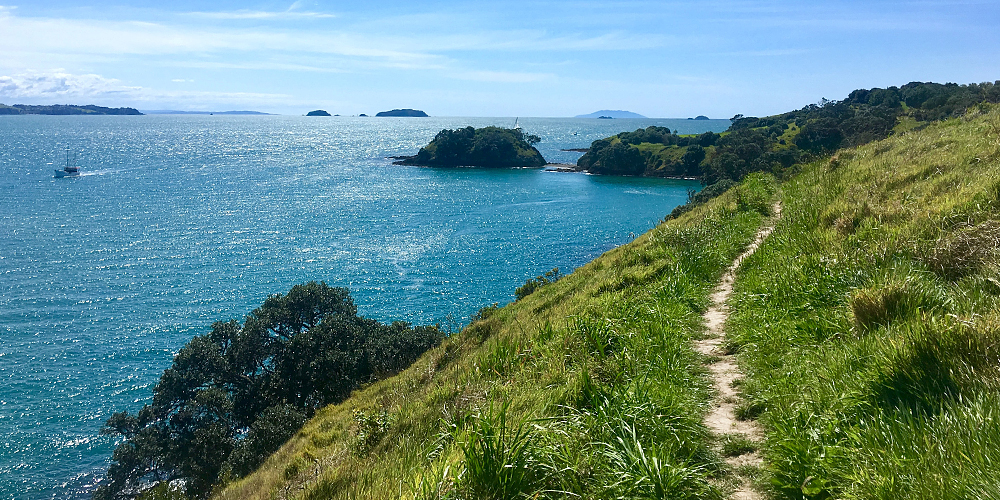 Waiheke Island - Hiking Path Along the Coast