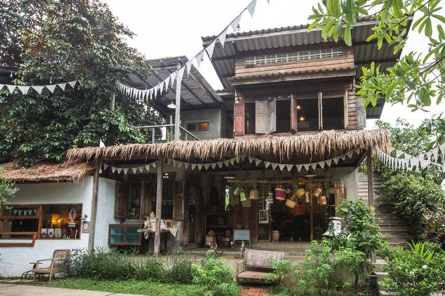Baan Kang Wat Store
