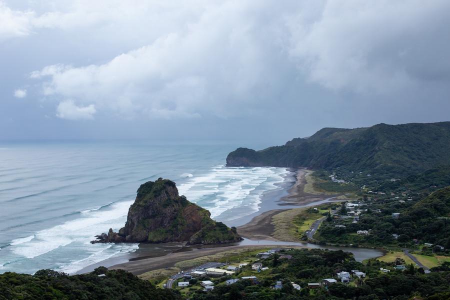 Piha Beach - Auckland West Coast